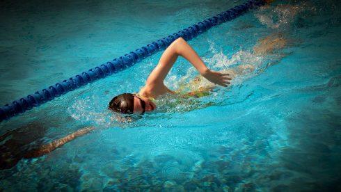 Swobodne oddychanie podczas pływania – to możliwe!